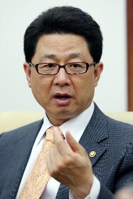 이달곤 행안부 장관, 해외 출장서 전자정부 홍보