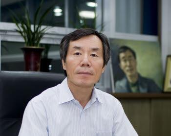 최경수 IT융복합 실용로봇산업협의회장(삼익테크 대표)