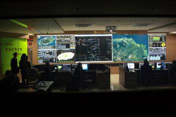 제주 스마트그리드 실증단지의 브레인 역할을 하게 될 통합운영센터(TOC). TOC는 △스마트 플레이스(양방향 전력통신) △스마트 트랜스포테이션(운송) △스마트 리뉴어블(신재생에너지) 등의 모든 데이터를 운영한다.