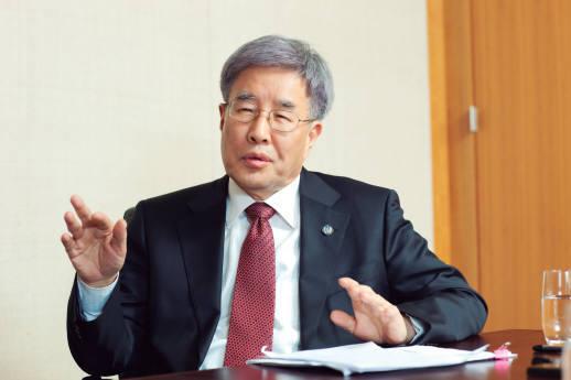 [산학공감(産學共感) 인재를 키우자]<4>김영길 한국공학교육인증원 원장에게 듣는다