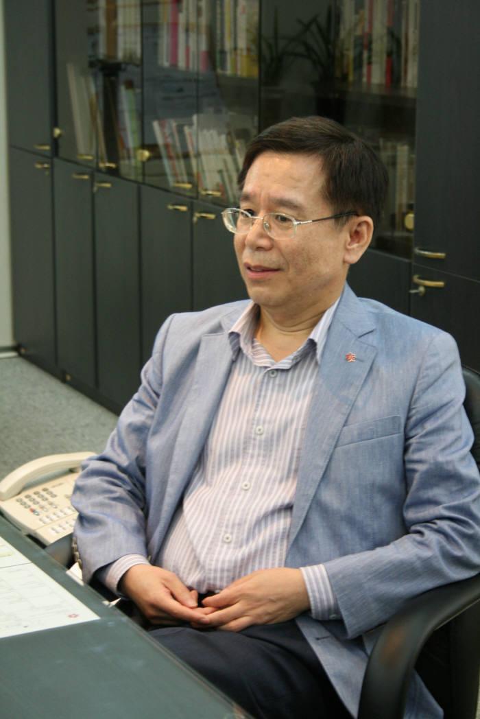 """신세계 I&C 윤수원 대표 """"전자책 서비스 오도독, 디지털 콘텐츠 플랫폼으로 키우겠다"""""""