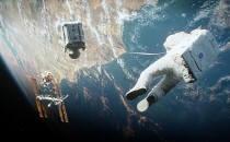 그래비티속 우주 쓰레기, 지구에도 위협