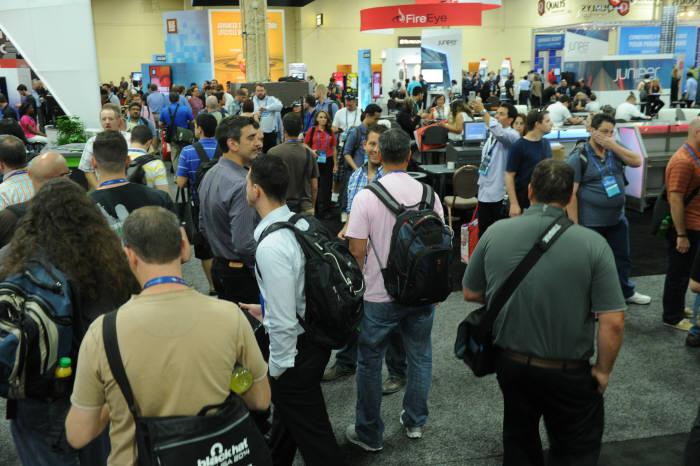 미국 라스베이거스에서 열린 블랙햇2014에는 8000여명이 참가하며 성황을 이뤘다.