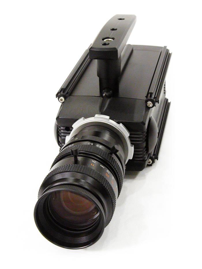 컴아트시스템이 국내에서 처음 개발한 초고속 카메라 `HSC-F340`이 이달부터 판매에 들어간다. <사진=컴아트시스템>
