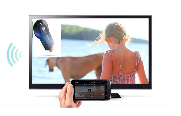 구글의 크롬캐스트가 구현된 스마트폰과 TV의 화면