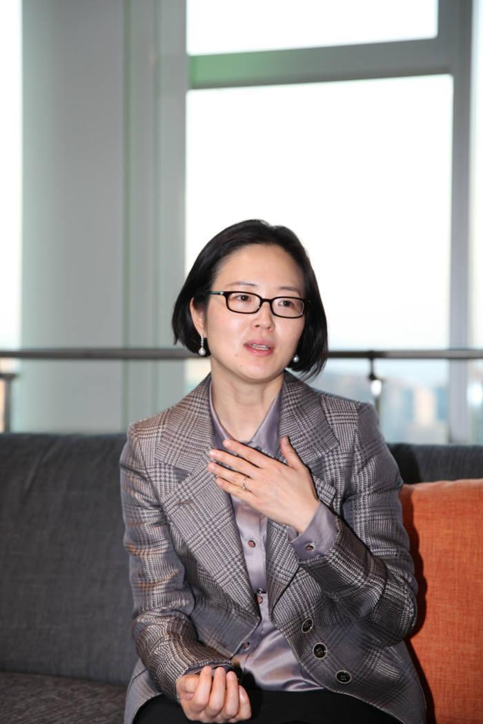 """""""흡연 후 미래를 게임으로 체험하니 담배 뚝 끊게 돼"""" 송하연 위스콘신 교수"""