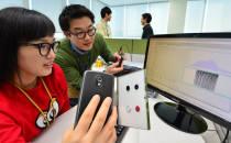 지문인식 스마트폰 2013년 10개, 2014년 14개, 올해 더 늘어