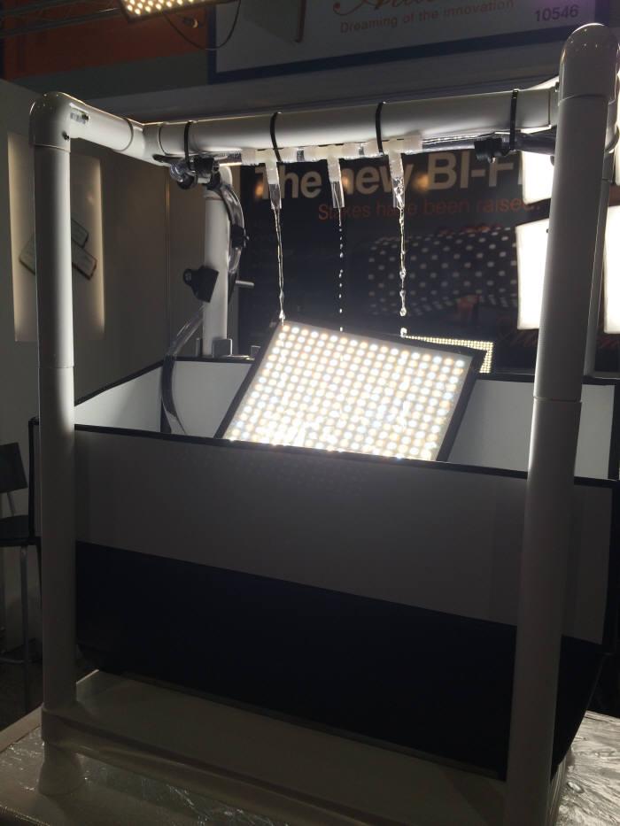 알라딘이 개발한 방송용 방수 LED 조명