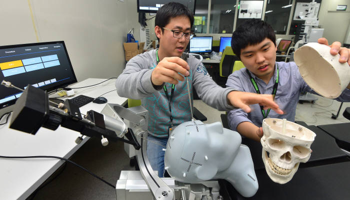 고영테크놀러지, 3D 반도체 시대 기회 잡는다...검사 솔루션 잇따라 출시