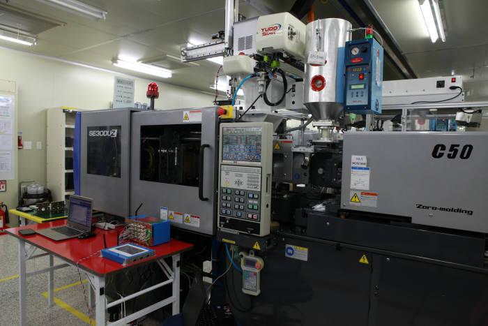 기계연-엔투에이-신명정보통신, 스마트폰 렌즈 생산수율 20% 개선
