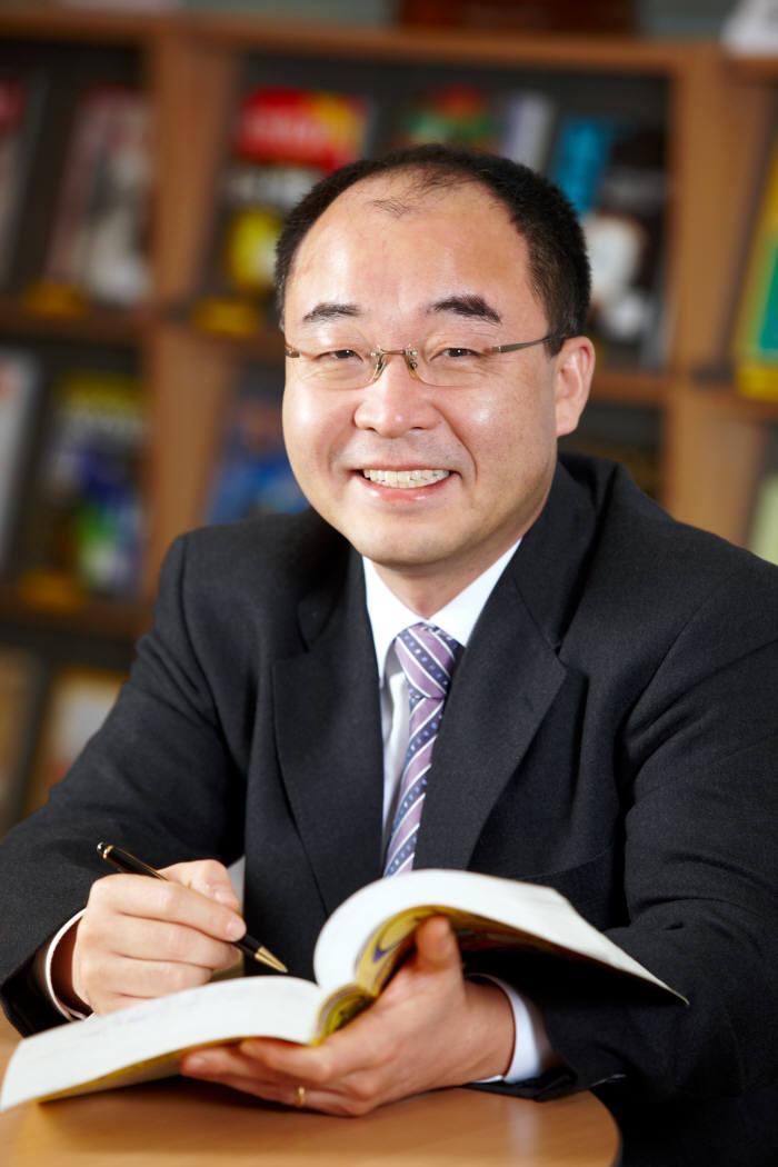 서울대 컴퓨터공학부 이재진 교수