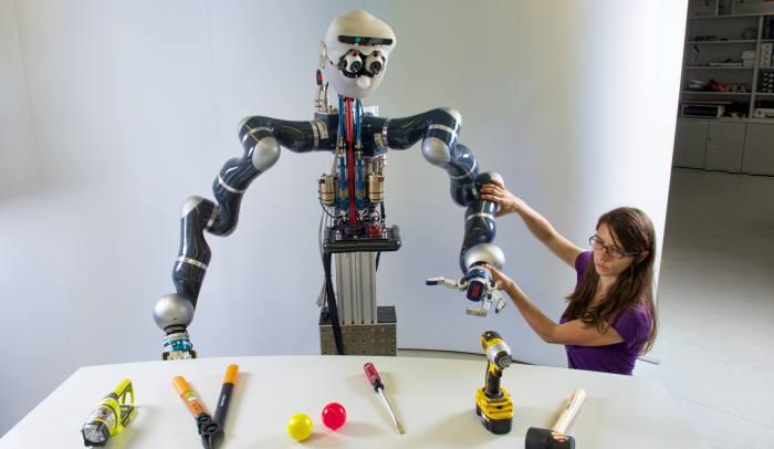 티칭 로봇(출처 Ethz.ch)