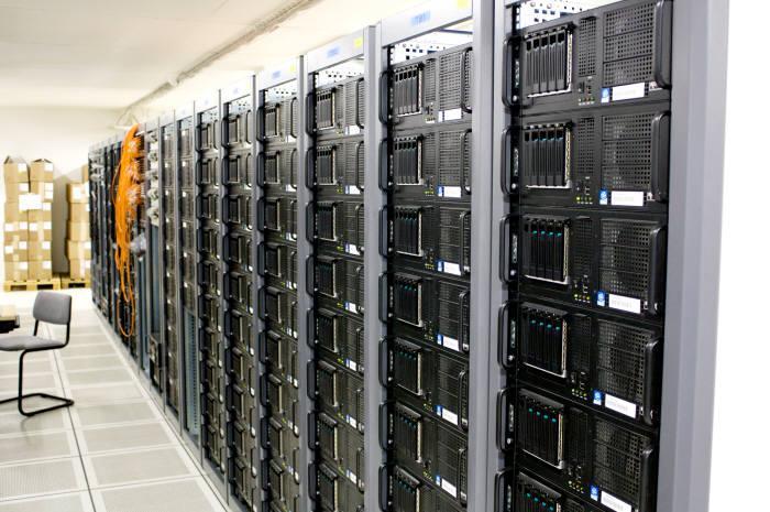 서버 룸(출처 Flickr.com)