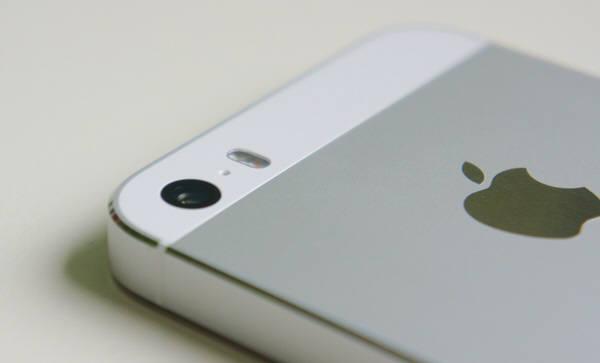 아이폰5s. 사진=위키피디아, 애플