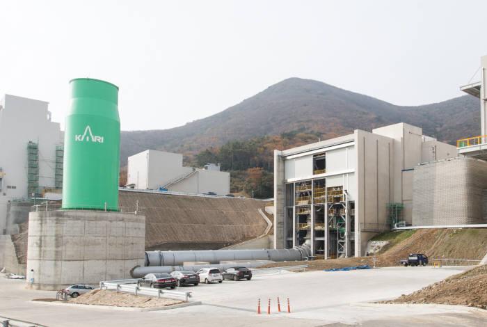 연소기 연소시험설비. 75톤급 및 7톤급 액체엔진의 주요 구성품인 엔진 연소기의 성능을 시험하는 연소시험설비. <사진=한국항공우주연구원>