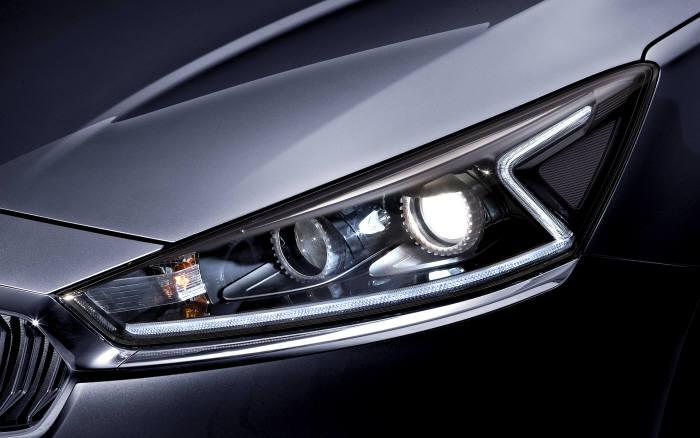 기아자동차 올뉴 K7 `Z` 모양 주간주행등(DRL)