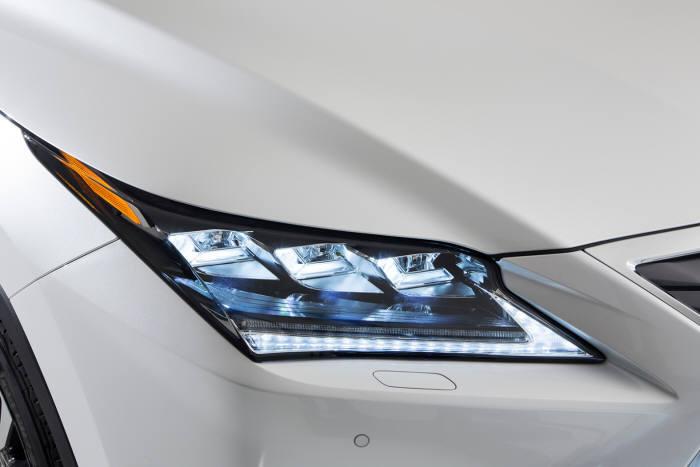 렉서스 하이브리드 중형 SUV `RX450h` 헤드램프
