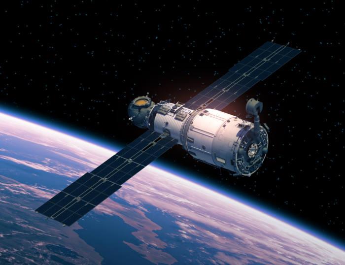 지난달 31일 오후 7시30분에 시작된 북한의 위성항법장치(GPS) 전파교란이 4일 12시 현재까지 계속되고 있다. GPS 위성 사진
