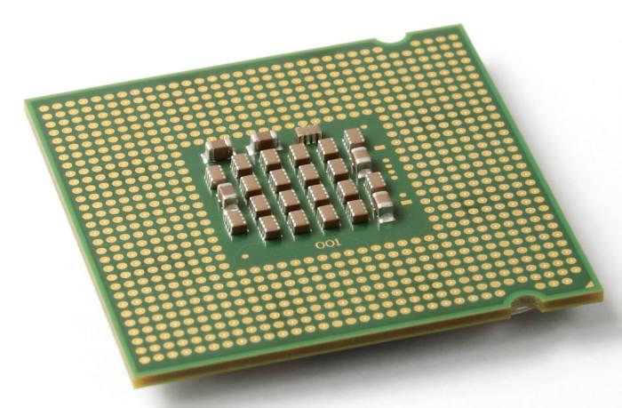 기존 아이폰에 탑재되는 낸드플래시는 LGA(Land Grid Array) 패키지를 활용한다. LGA는 패키지 아래쪽에 뾰족한 핀이 달린 형태인데, 인쇄회로기판(PCB)에 실장 했을 때 하부 빈 공간에 틈이 생기지 않고 착 달라붙어 위쪽에만 EMI 차폐 공정을 수행하면 된다.