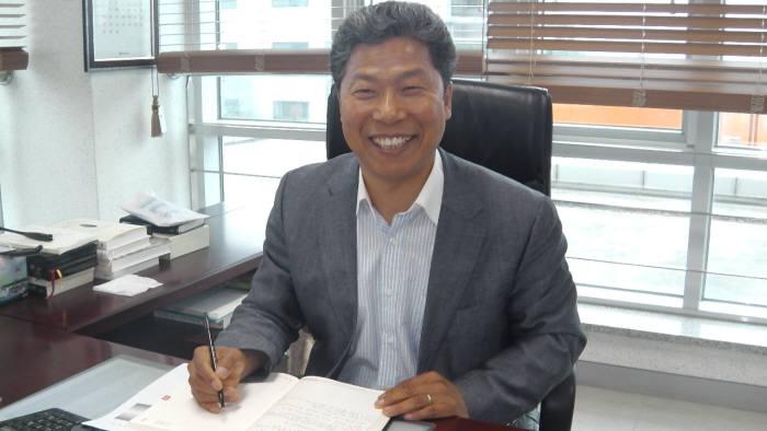 [인터뷰]서대석 광주과학기술교류협력센터 원장