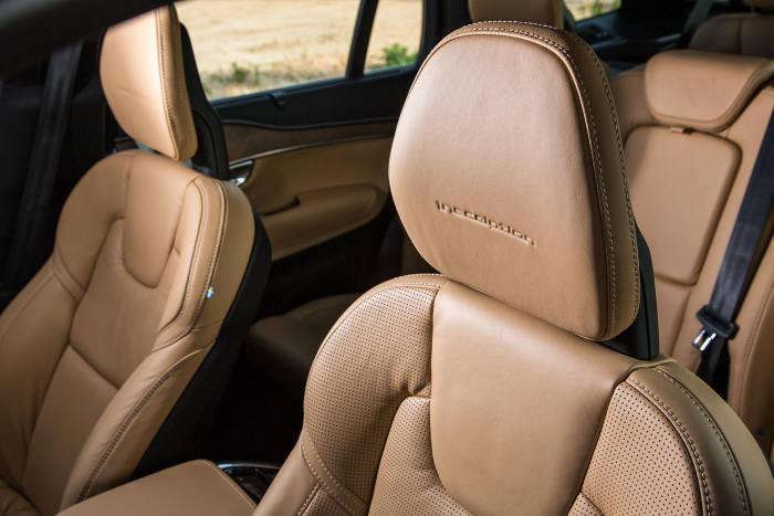 [신차 드라이브] 안전이 `기본`인 볼보 플래그십 SUV `XC90`
