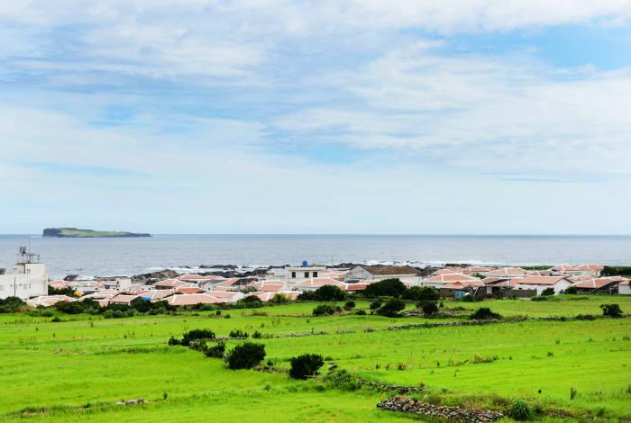 섬 중앙에서 바라본 가파도 마을.