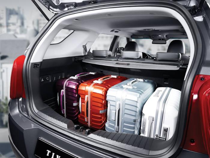 쌍용자동차 소형 SUV `티볼리 에어` 트렁크 (제공=쌍용자동차)