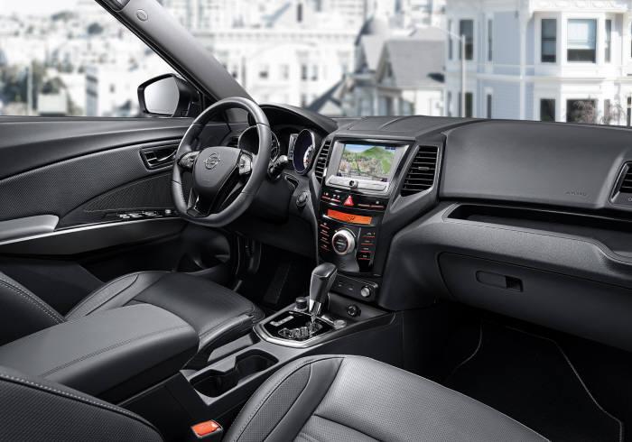 쌍용자동차 소형 SUV `티볼리 에어` 1열 인테리어 (제공=쌍용자동차)