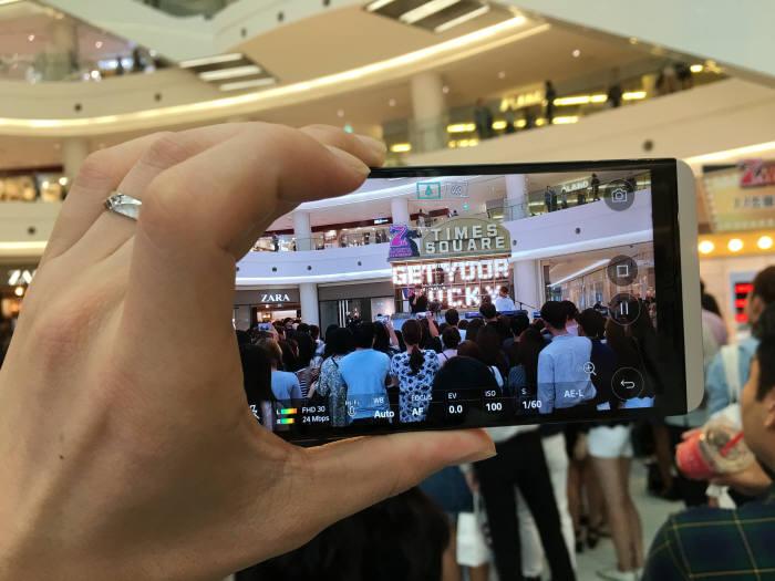영등포 타임스퀘어에서 하이파이 영상 녹화와 고음질 녹음을 사용해봤다.