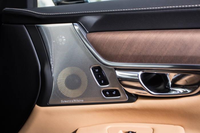 볼보자동차 플래그십 세단 `더 뉴 S90` 에 장착된 하이엔드 사운드시스템 `바워스&윌킨스(B&W)` 스피커 (제공=볼보자동차코리아)
