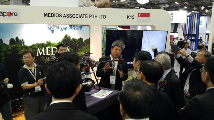 바라본은 9월 28일부터 30일까지 싱가포르에서 열린 `아시아 안전 보안 박람회 2016`에서 산업용 드론을 선보였다.