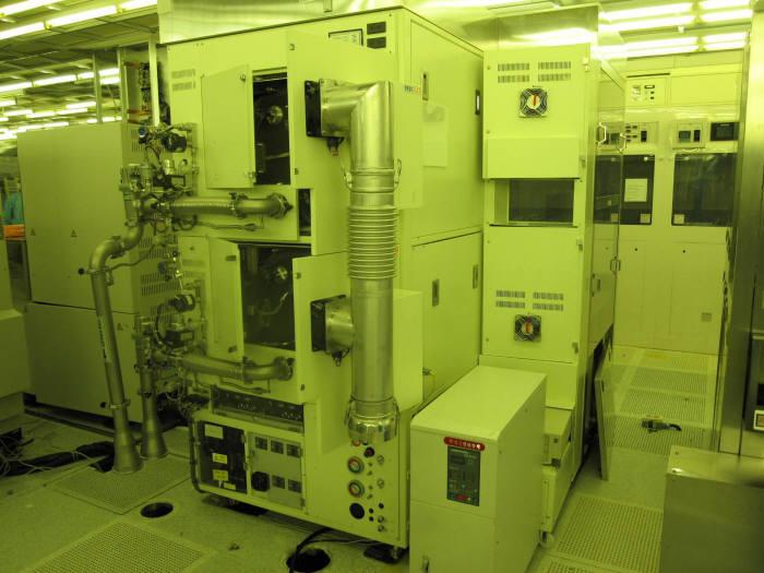 PSK가 1994년 첫 개발에 성공한 200mm 배치 타입 애셔. 울티마III