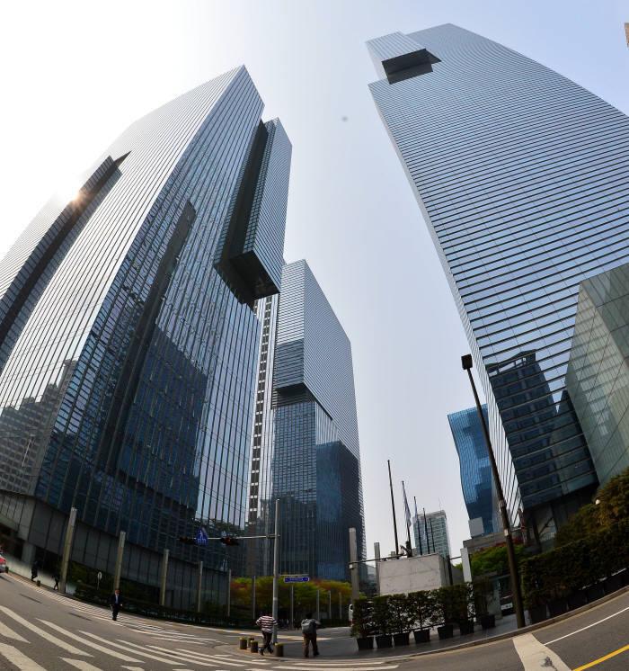 삼성생명, 삼성증권 지분 19.16%로…금융지주사 전환 속도내나