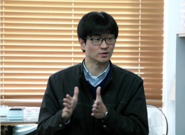3D 인쇄전자 기술의 미래에 대해 설명하고 있는 설승권 연구원.