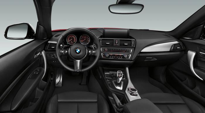 BMW 소형 쿠페 `220d M스포츠 패키지` 실내 인테리어 (제공=BMW코리아)