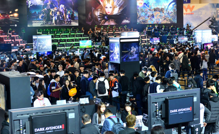 [동영상 뉴스]국내 최대 게임쇼 `2016 지스타` 개막
