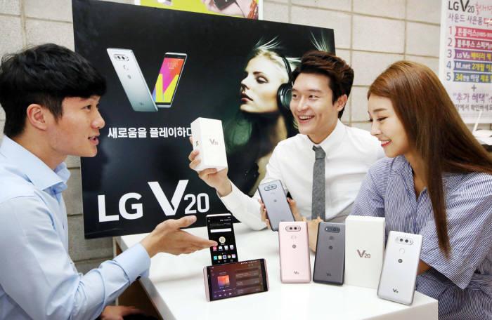 올해 하반기는 국내 제조업체의 전략 스마트폰 대비 더 많은 수의 외산 스마트폰이 출시되는 이외성을 보여줬다.