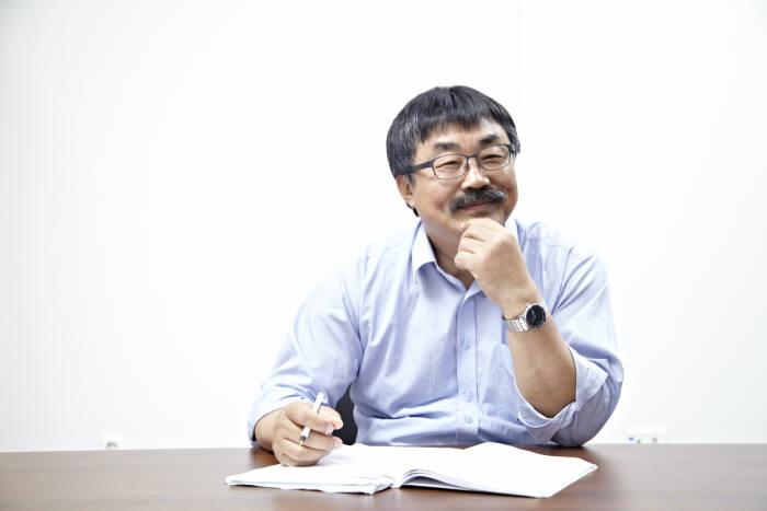 이영희 IBS 나노구조물리연구단장