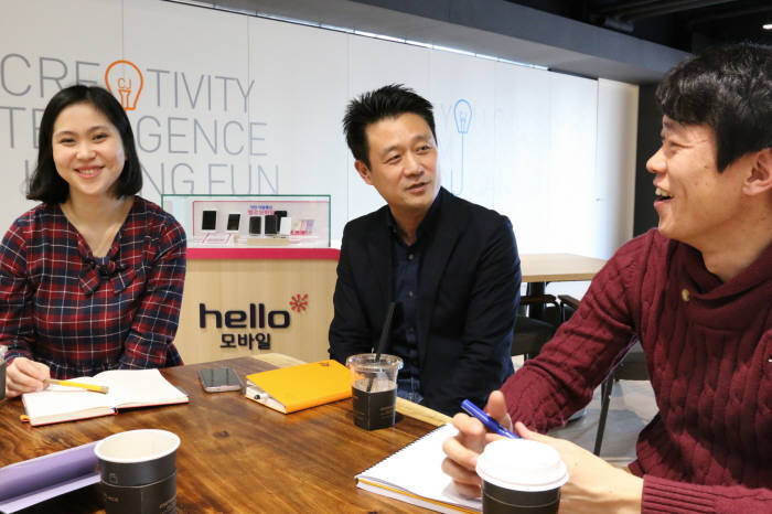 왼쪽부터 이현배 판매전략팀 대리, 정재욱 팀장, 권오찬 과장
