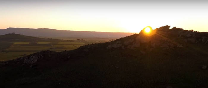 이탈리아 `캘린더 록`(자료: 유투브 캡쳐)