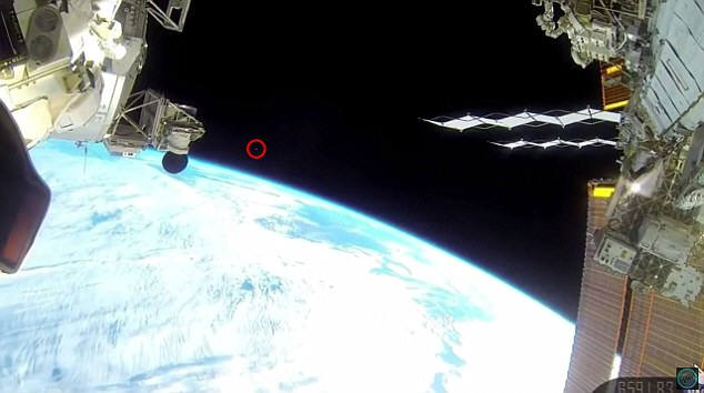 NASA가 외계인을 숨겼다고?··우주 섬광 놓고 논란