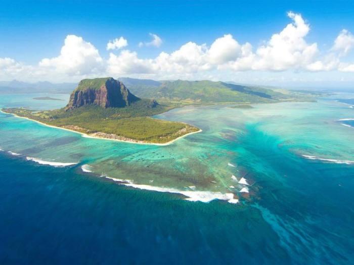 과학자들이 인도양 모리셔스 섬에서 `잃어버린 대륙`의 흔적을 찾아냈다.