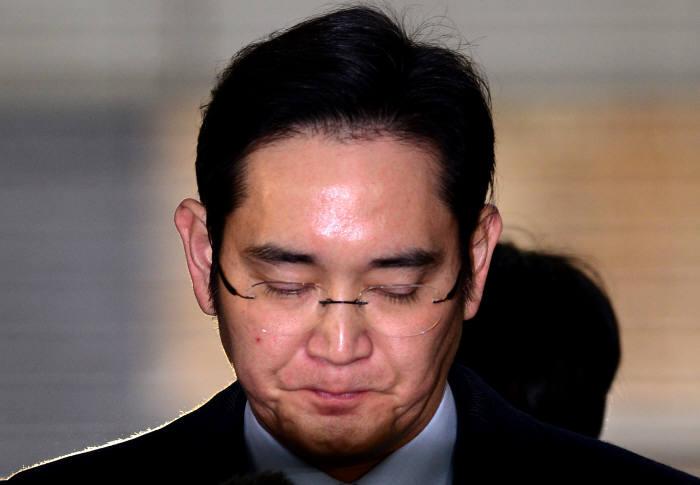 [이재용 부회장 구속]결국 선장 잃은 삼성…비상경영체제로도 불안한 앞날