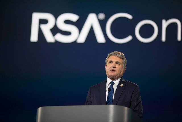 """마이클 맥콜 미 국토안보위원회 위원장은 """"사이버는 팀 스포츠이며 더 강한 공격과 방어가 절실하다""""면서 """"더 많은 기업이 위협정보를 공유하며 함께 힘을 모아야 한다""""고 말했다. (자료:RSAC)"""