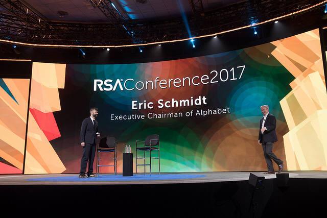 에릭 슈미트 알파벳 회장은 15일 `위대한 AI의 깨우침`을 주제로 토론했다. (자료:RSAC)