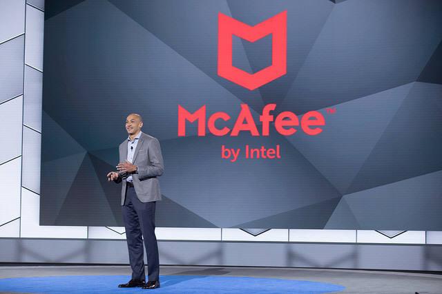 크리스토퍼영 인텔시큐리티 수석부회장은 사이버 시큐리티 기업이 함께 힘을 모아야 지금의 위협에 대응할 수 있다고 촉구했다. 인텔시큐리티는 이제 맥아피로 사명을 되찾는다. (자료:RSAC)