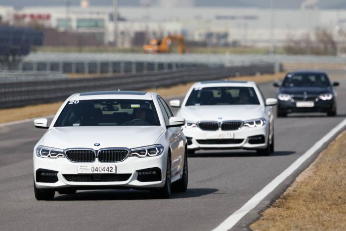 BMW 뉴 5시리즈 주행 모습 (제공=BMW코리아)