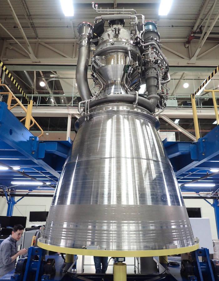 블루오리진이 개발한 신형 로켓 엔진 `BE-4`