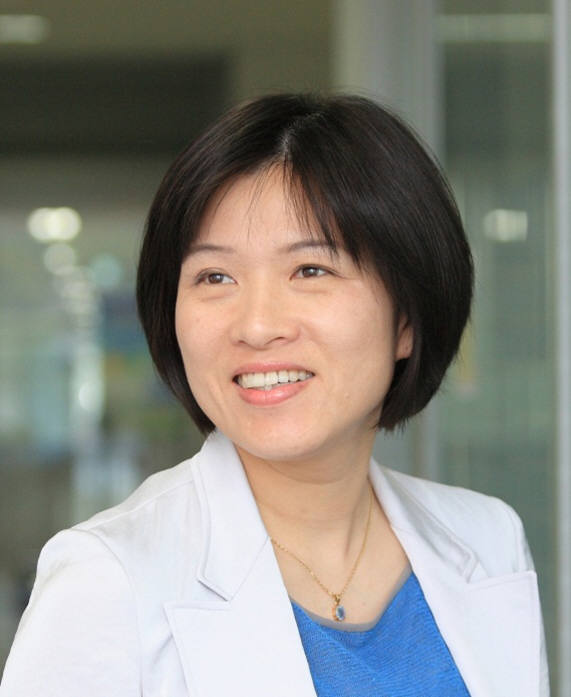 [대한민국과학자]손안의 진단기기 '랩온어디스크' 개발 주도... 조윤경 UNIST 생명과학부 교수