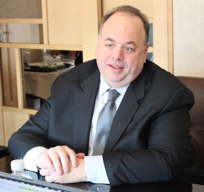 세스 라빈 리미니 스트리트 CEO